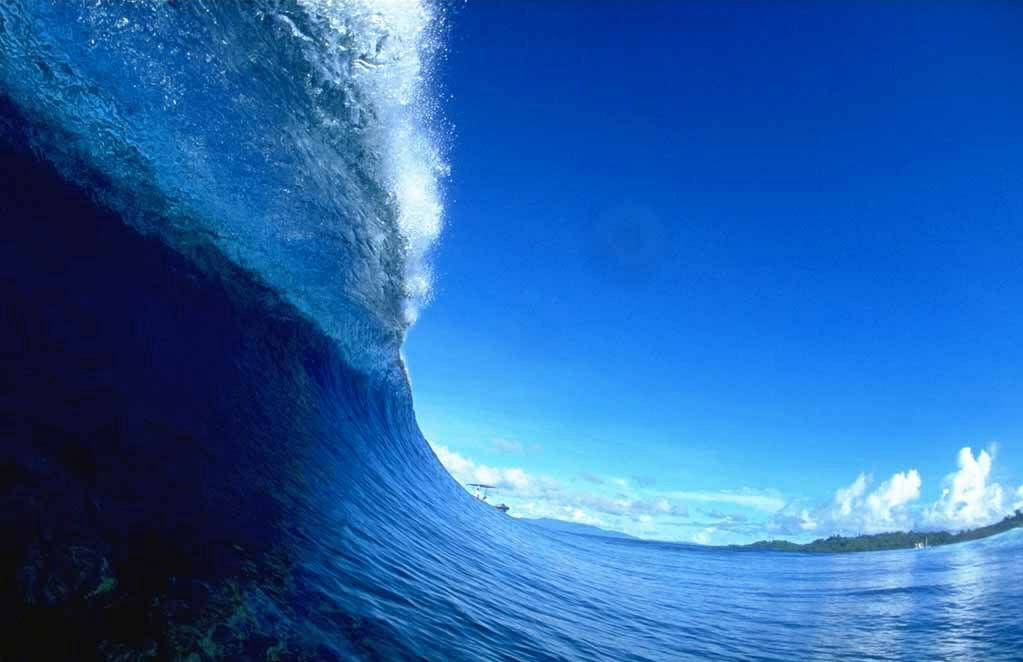 relationship of waves and tsunamis